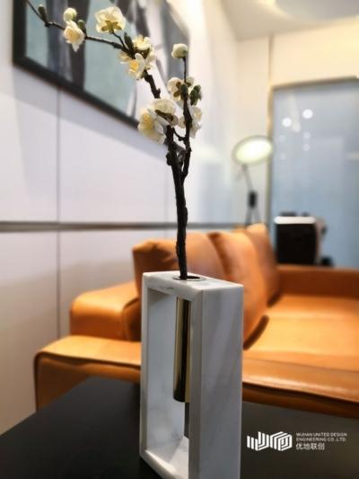华翔集团·新世界国贸52层办公室室内设计(2018)